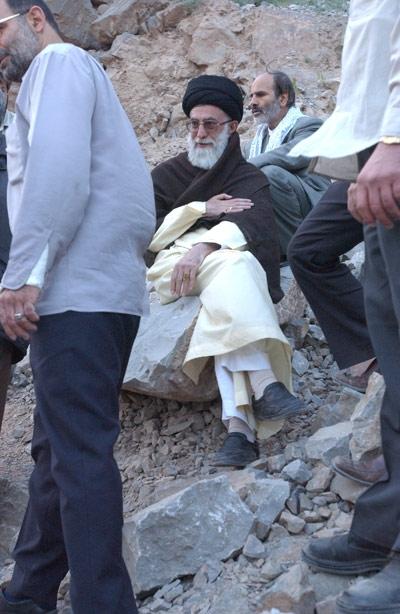 بی سر و سامان - به روز رسانی :  8:13 ع 97/5/25 عنوان آخرین نوشته : پیکر مطهر «علی سلطان مرادی» شهید مدافع حرم به کشور بازگشت + برنا